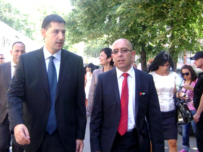 Известни мафиоти перът парите от рушвети на Пловдивският кмет -Иван Тотев!!!
