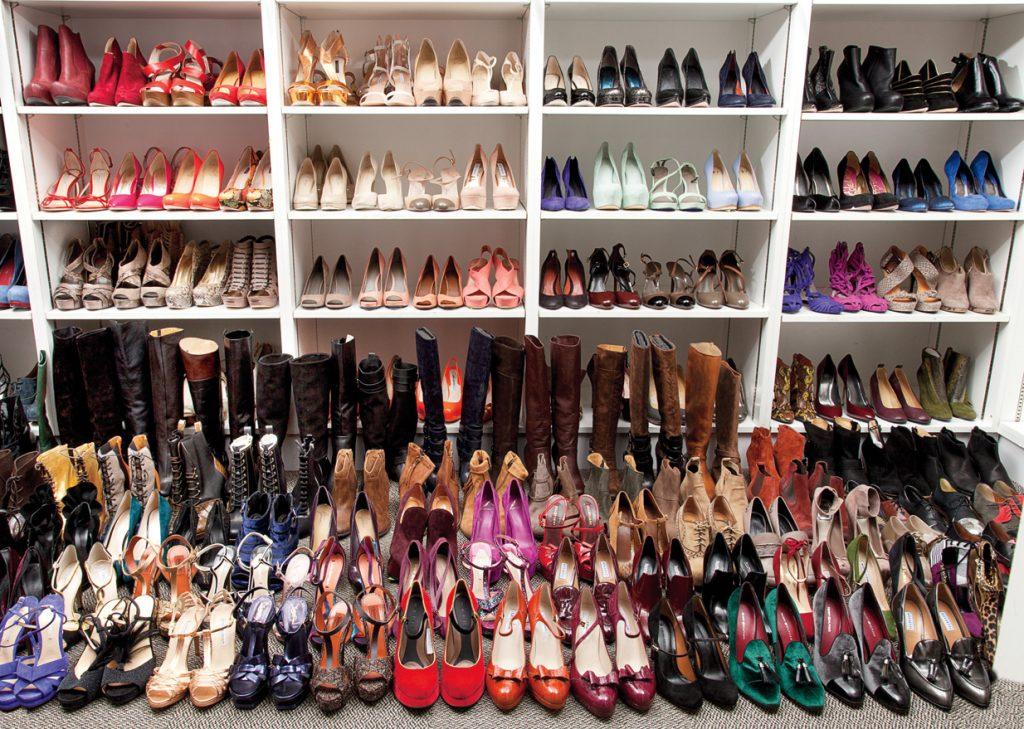 Как да разпознаем изкуствената от фашливашата кожа при обувките ?