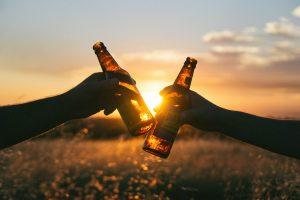 Как да пиете с шефа си, без да загубите работата си